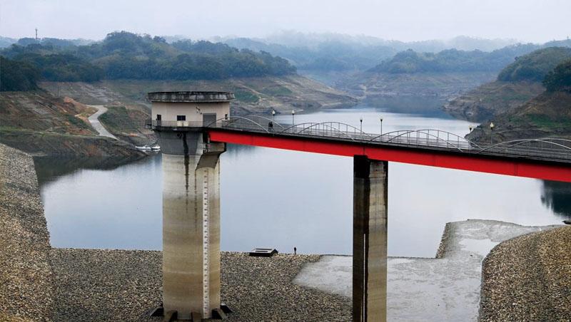拉警報!竹科3大水源之一的寶山水庫,目前水位已經低到標尺底端,創下該水庫啟用36年來最低蓄水量