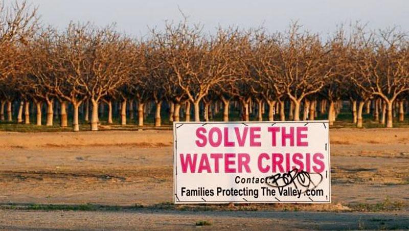 2014年開始,加州經歷極端乾旱,時任加州州長傑瑞.布朗於隔年發布加州史上第1個限水令,使該年民生用水減少24%