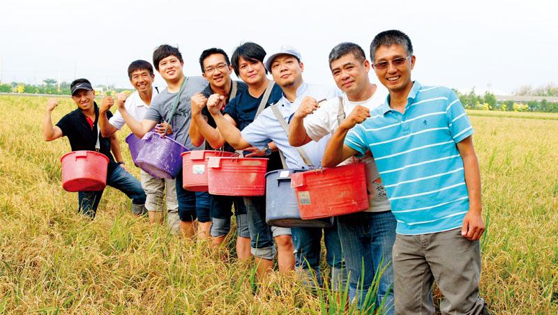 彰化大城農友復育小麥第九年,其麵粉受到冠軍麵包師傅吳寶春、王鵬傑肯定,進軍烘焙市場