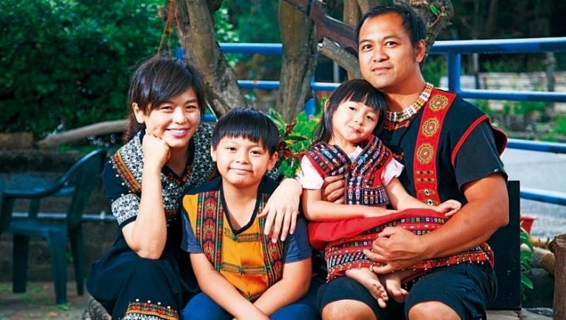 查瑪說,孩子回到部落上小學,個性變得更開朗活潑,是餐廳最佳的親善大使
