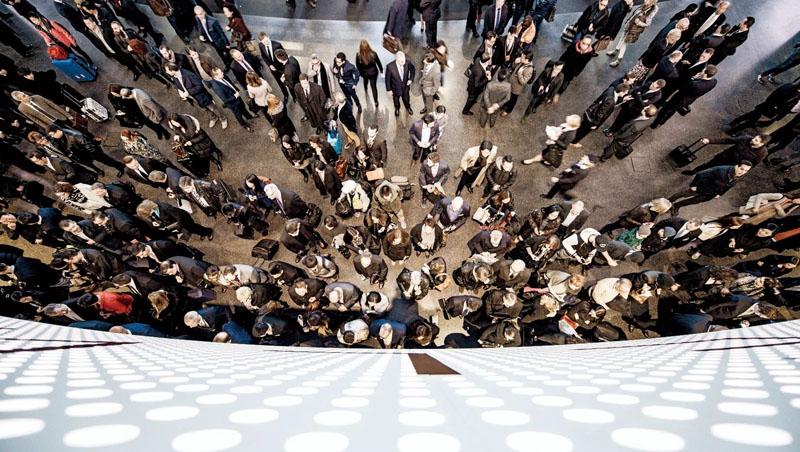 疫情衝擊下,Baselworld這類全球性實體錶展的存廢與否,也在錶壇引發熱烈討論。(圖為2019年Baselworld錶展)