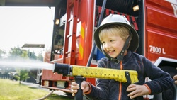 多益時事通》firehose除了消防水管,還有這個超實用的意思?
