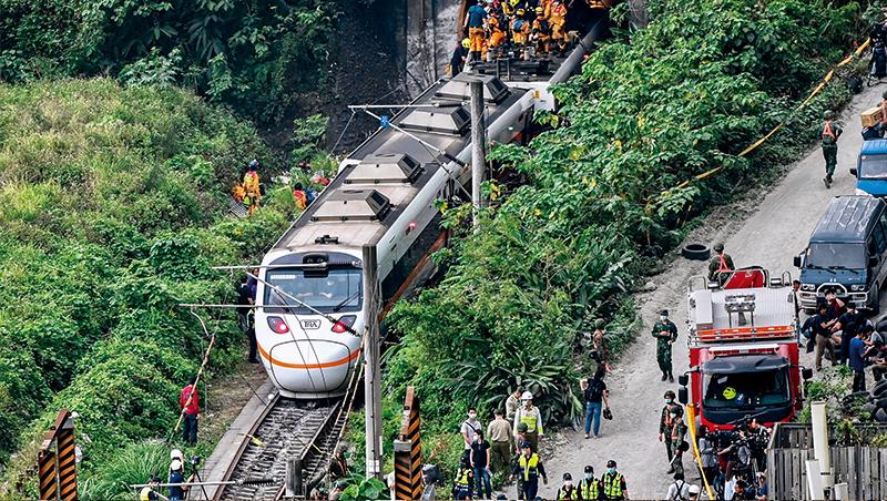 不到3年,一場工安疏失再釀50死,台鐵管理怎麼了?