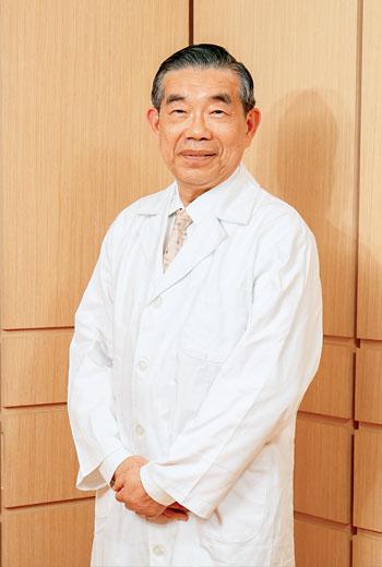 台北仁濟醫院總院長李龍騰