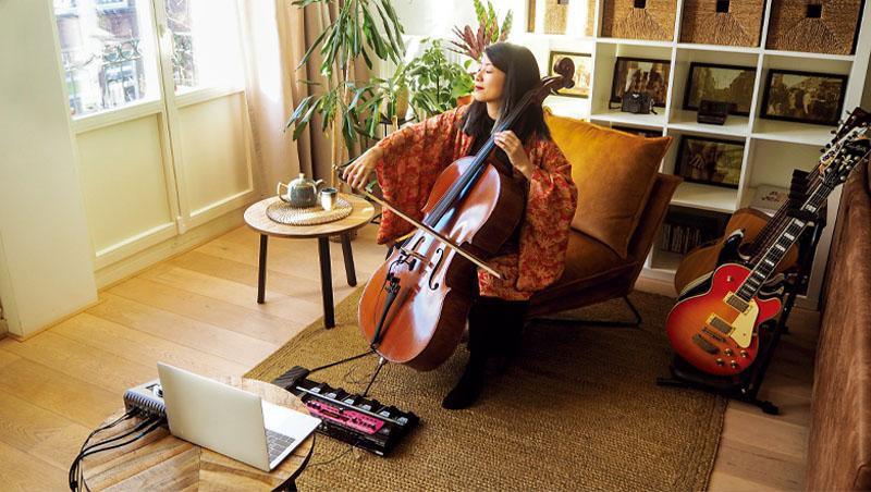 透過螢幕,加入大提琴家的線上冥想音樂會