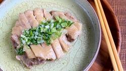 夏日電鍋料理推薦》20分鐘做好「蔥油雞」,冷吃熱吃都可以