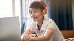 青少年父母「生存之書」:停課期間,孩子玩電動是好事!為什麼?