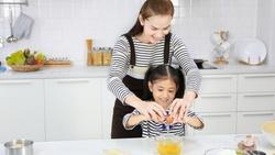 居家防疫菜單》用電鍋15分鐘做「蛤蜊蒸蛋」,多吃也不怕長肉