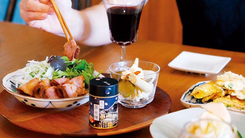 疫情期間更要為自己喝一杯,能釋放焦慮,舒緩情緒,只要有常備小菜與罐頭,在家隨時能喝一杯