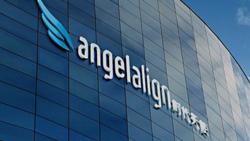 隱形矯正暴利可期?「時代天使」在港上市漲逾113%,憑什麼撼動「隱適美」市場?