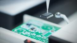 晶片供應太吃緊⋯中國出現「假晶片」!平板、筆電最易受害,如何辨別?