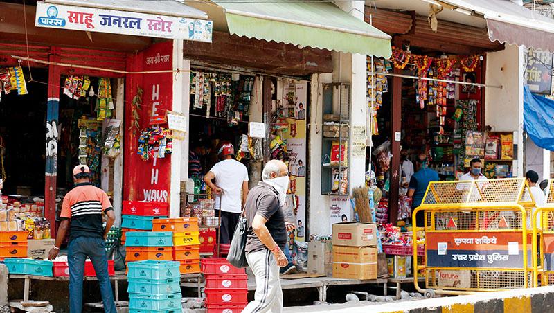 去年疫情來襲,印度封城時,1間位於普拉亞格拉傑的基納拉仍然繼續營業,民眾得以在此買到民生物資