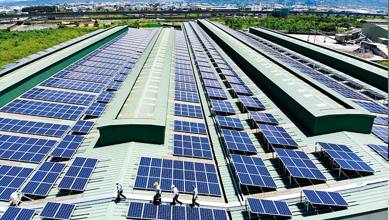 雖然再生能源占發電比重已逐漸提升,但相應的儲能設備並沒有跟上進度,讓風力、光電發電在面對極端氣候時相對脆弱
