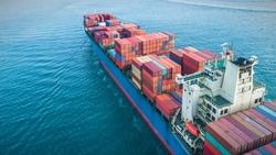 不肖業者囤櫃、海盜趁機劫船⋯「缺櫃風暴」不見盡頭,恐威脅全球經濟