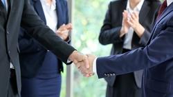 麥肯錫菁英:跟客戶建立關係,要連說3次對方姓名,為什麼?