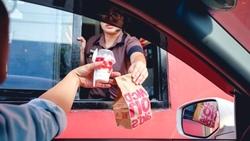 沒打廣告、配方沒變⋯銷量曾慘到下架,麥當勞「豬肋排堡」如何翻身爆品?