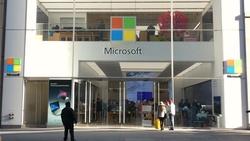 每年淘汰績效墊底員工!「末位淘汰」助微軟市值衝到17兆,卻成為落後蘋果的關鍵