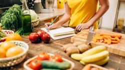 打疫苗後,營養師建議:吃這5種食物抗發炎、強健腸胃道