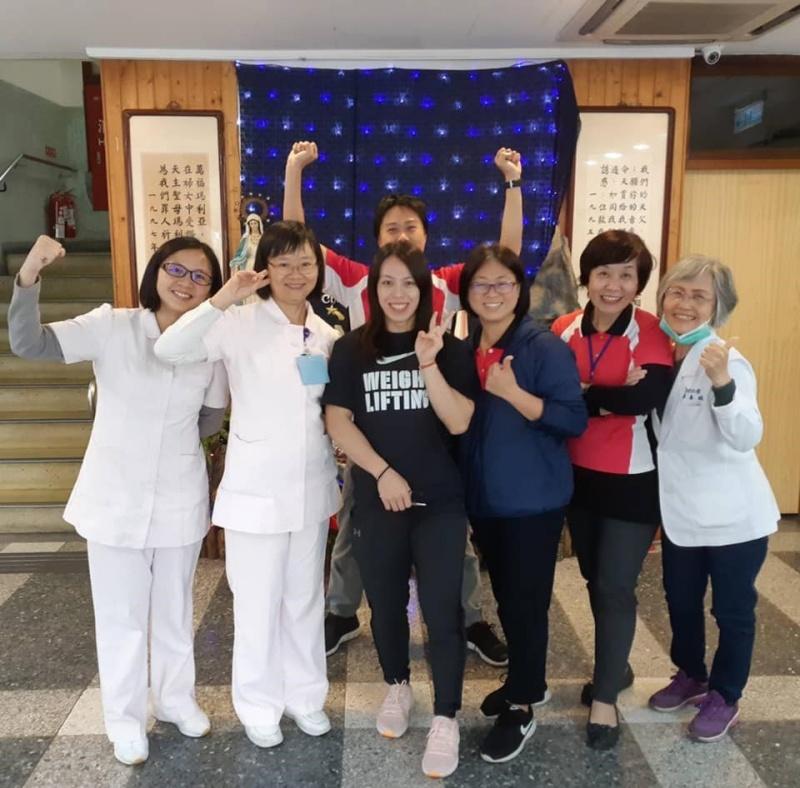 2019年12月31日,郭婞淳獨自走進台東聖母醫院公關室,低調地說「我要捐款」,被護理人員認出。