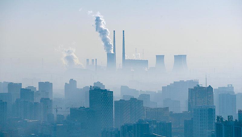 中國啟動碳交易市場,且多國有意推碳關稅,碳排將成企業營運新成本