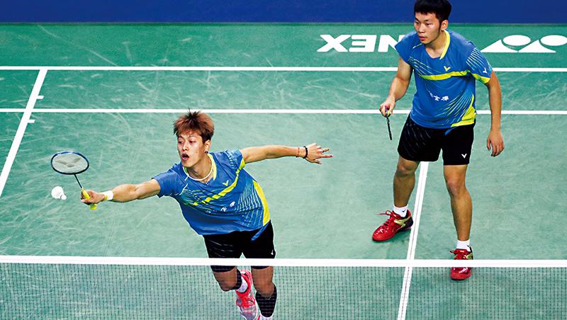 轉隊前,李洋(右)與李哲輝(左)的「雙李配」組合,在2017年首度打進超級系列賽中法國羽球公開賽,並拿下冠軍