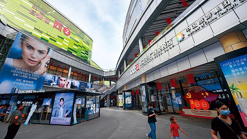 「防疫機器啟動,消費與出口就受害。」《華爾街日報》如是說。中國清零防疫的經濟代價恐怕會越來越高