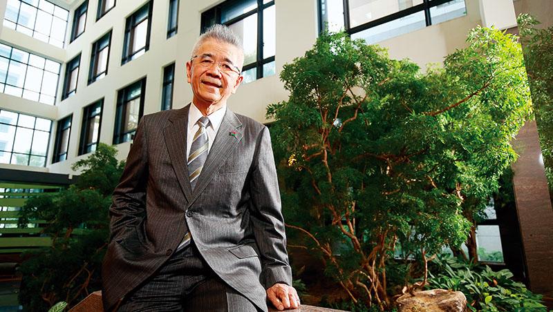 信義房屋創辦人周俊吉,是1987年就參加新環境基金會的環保先鋒。他相信,零碳島的開發方向不只保護環境,也讓新飯店做出區隔,創造多贏的投資成果