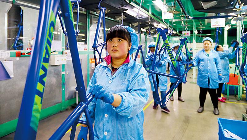 自行車同業指出,巨大包含圖中的天津廠生產成本已不如越南,且歐美客戶多指定從中國轉單越南,促成巨大投資