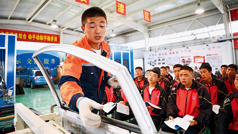 「北京打壓升學補教業,對技職教育卻是以政策大力支持。」滙豐銀行在報告裡如是說,這也將是未來中國教育界新趨勢