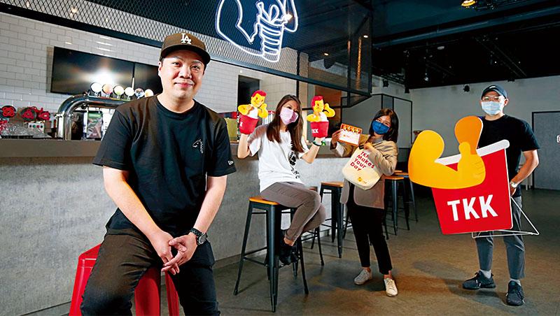 頂呱呱副總經理史宗岳(左1)