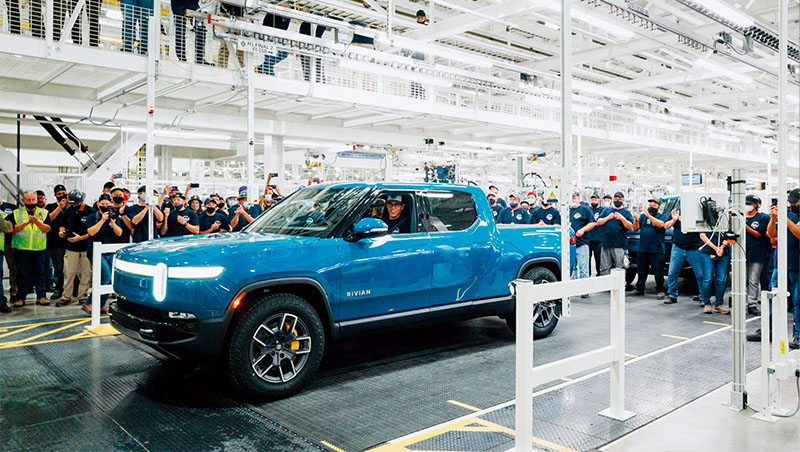 Rivian的電動車款R1T,今年9月正式量產,領先指標大廠特斯拉,成為全球第一台量產的電動皮卡