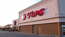 被併購、掏空⋯美國超市TOPS如何在一年內走出破產保護,重回市場?