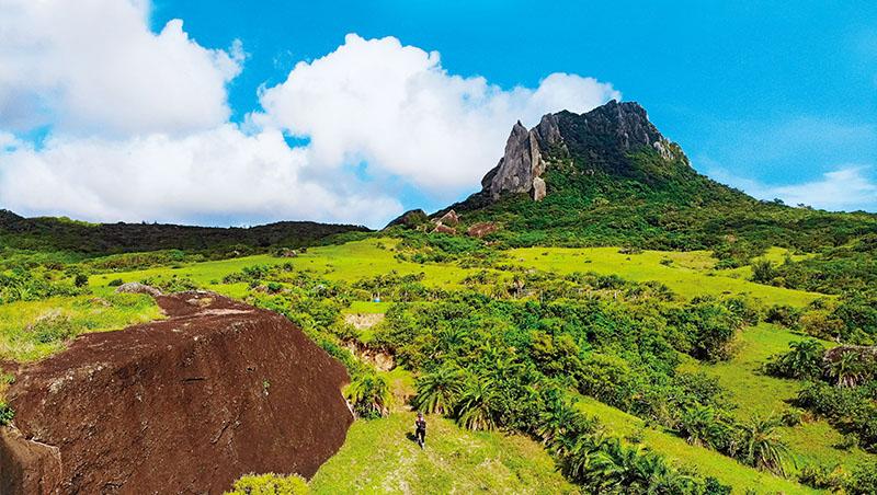 仰望大尖山,這裡也是《斯卡羅》著名拍攝場景