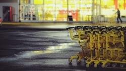 超市員工開始染疫,甚至身亡!美國零售業醞釀大罷工:公司在賺染血的錢