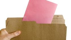 現在粉紅色最夯,相關英文你會嗎:pink slip 竟跟解僱有關?