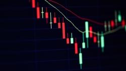 """股票「跳水」,不是用""""jump""""!價格上升、下跌的英文用法一次搞懂"""