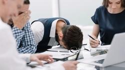 老闆堅持最後自己拍板?現實很殘酷:決策超過5小時的專案,成功率只剩18%
