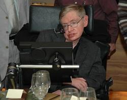 專注的自制力,讓他成為「輪椅上的天才」。看霍金如何突破身體上的限制,成就自我?