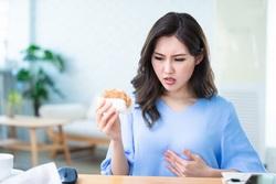 口臭、火燒心、胃脹氣?每4人就有1人胃食道逆流! 10招讓你擺脫酸害困擾