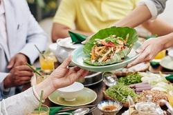 水果應該飯前還是飯後吃,才不傷胃?營養師解答常見「護胃」疑問