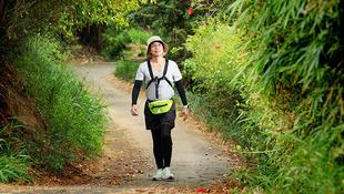 跟著郭台銘跑了25年後...,他用徒步環島走出第二人生