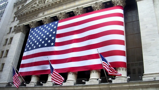 提早一年!Fed估今年通膨升至3%、2023年將升息2次,三大美股收黑
