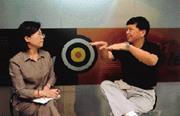 5月18日中午,本刊總主筆李美惠專訪趨勢科技執行長張明正─這位軟體網路界領袖。他認為,只要偏離customer behavior一點,有多少錢、多聰明都沒有用。