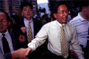 陳水扁喊出「新中間路線」,口號雖響,卻難脫窠臼?