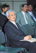 台糖眾多的問題,讓董瑞斌決心辭官,回到金融界的老本行。