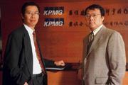 ■華象科技簽證會計師游瑞琳(左)和李宗霖(右),現身說法澄清外界質疑。
