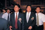 左有父親中信金控董事長辜濂松的支持,右有哥哥中信銀董事長辜仲諒的幫忙,辜仲瑩這場仗打得輕鬆!