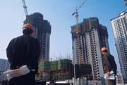 目前大陸投資出現極不合理的架構,鋼鐵、水泥業的熱度仍然越演越烈。