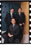 王友泉(前)主導群環朝「完全解決方案」業務發展。