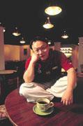 很多人的「夢想」是開家咖啡店,不過往往不了了之,鍾正楠卻勇於追逐夢想,並付諸實行。